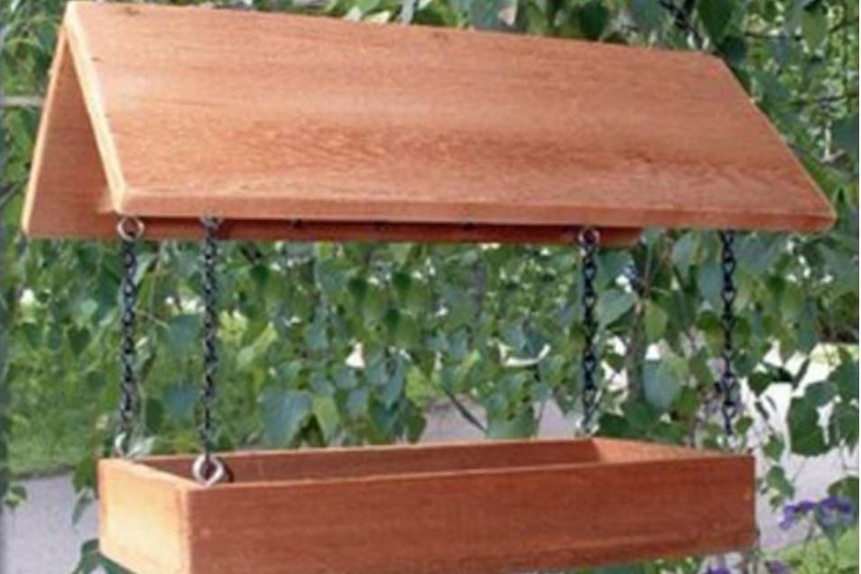 wood platform feeder